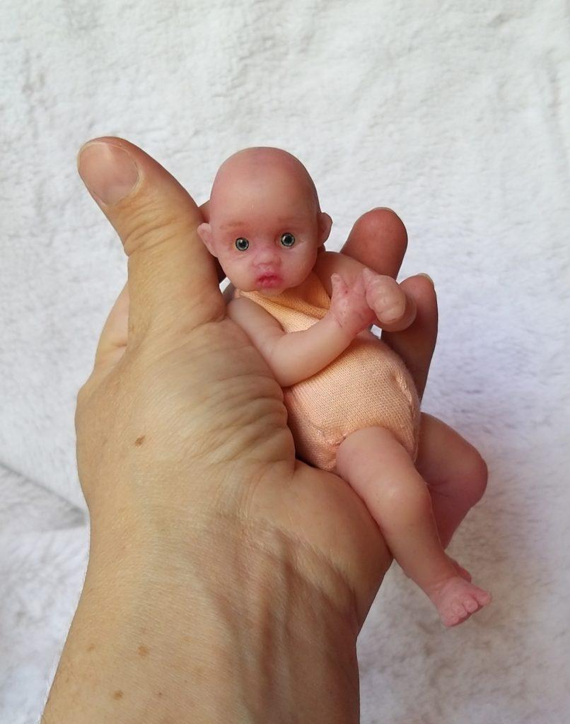 micro reborn babies