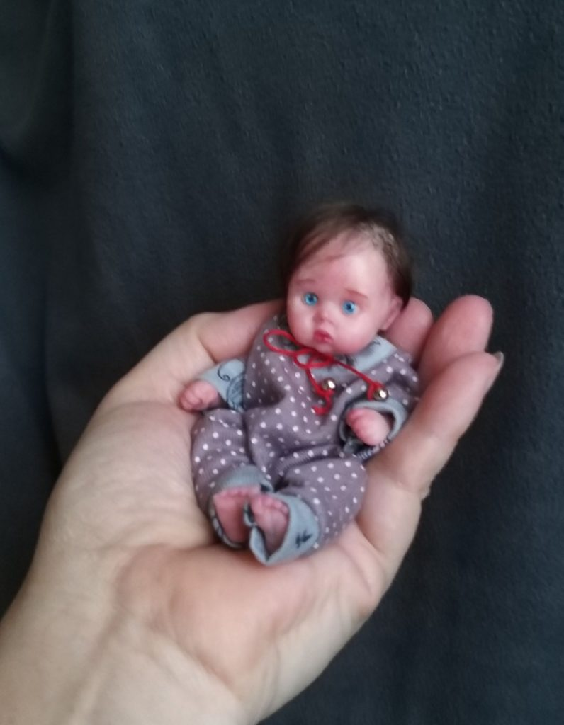 Minireborn silicone baby girl doll 5 inch Inna, painted, open eyes , open mouth with pacifier and bootle, original clothes