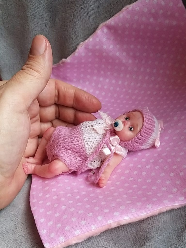 Mini reborn baby dolls from silicone