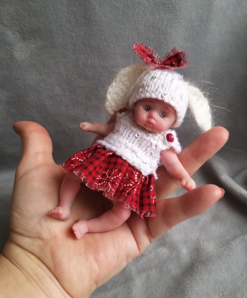 tiny silicone doll open eyes