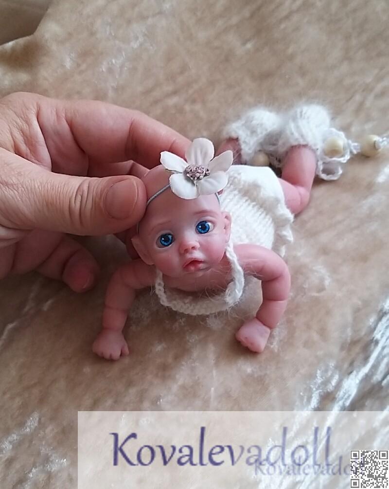 mini silicone baby Mia doll